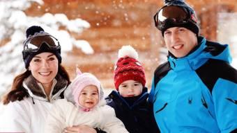 Prinz William, Herzogin Kate, Prinz George und Charlotte waren das erste Mal zu viert in den Ferien. Für die Kinder war es die erste Begegnung mit Schnee. Symbolbild.