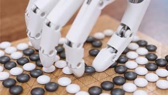 Beim Go-Spiel haben die unkonventionellen Strategien eines Computerprogramms zu Erfolg geführt. In Alltagssituationen könnten sie gefährlich werden.