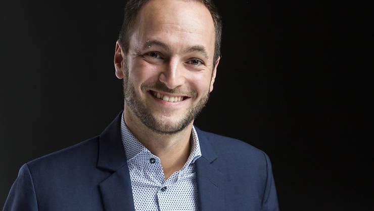 Der Walliser SP-Nationalrat Mathias Reynard hat die Erweiterung der Anti-Rassismus-Strafnorm auf schwule, lesbische und bisexuelle Menschen angestossen. Nun setzt er sich im Abstimmungskampf für ein Ja an der Urne ein. (Archivbild)