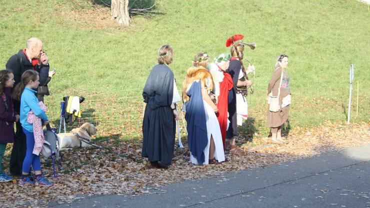 Die Läufer wurden vom Publikum in römischen Gewändern angefeuert.