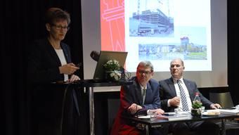 Sabine Pegoraro an der Präsentation der Baselbieter Zahlen der Staatsrechnung 2015.