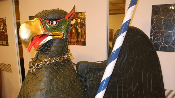 Das ist der neue Kopf des Vogel Gryff. Die Flügel sind grösser, der Blick ist härter und die Ohren sind grösser. Bild: bro