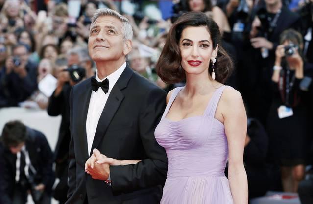 George Clooney mit seiner Ehefrau Amal Alamuddin bei der Premiere seines neuen Filmes «Suburbicon».