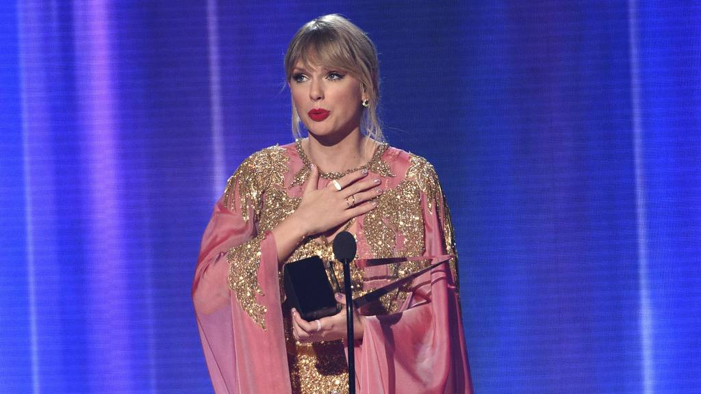 Taylor Swift räumt bei American Music Awards ab