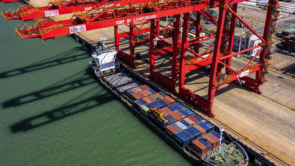 Die USA und China haben sich laut US-Präsident Donald Trump im Handelskonflikt auf ein Teilabkommen geeinigt.(Symbolbild)