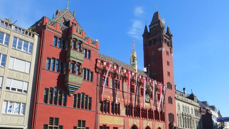 Basel-Stadt lässt die kantonale Verwaltung durch Mobilezone und Swisscom eindecken.