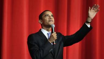 Obama auf der Bühne des Apollo Theater (Archiv)