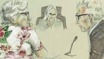Die Angeklagte Alice F. (links) vor dem Basler Strafgericht.