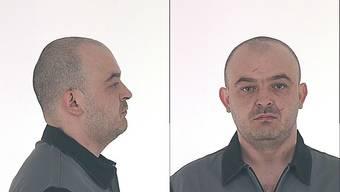 Der 37-jährige Nebosja Gicic traf per Taxi im Waaghof ein.