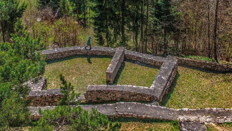 Hier grillierten im Mittelalter die Thiersteiner: Die Burg Alt-Tierstein war früher der Stammsitz des Hochadelsgeschlechts – auch heute bietet sie Plätze für ein Grillfestmahl.