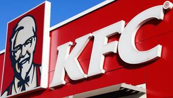Die US-Schnellimbisskette KFC will in der Schweiz 50 Restaurants eröffnen.