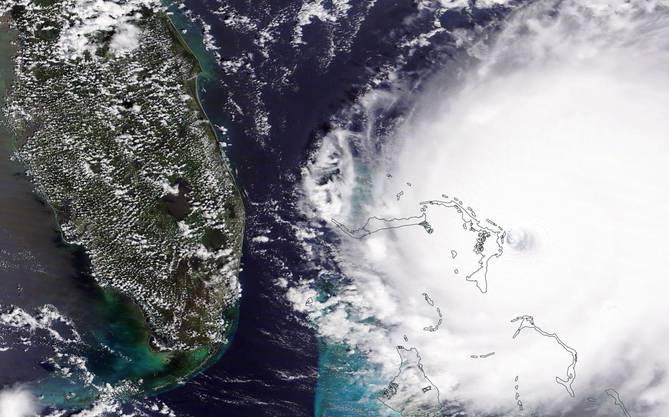 Der Hurrikan Dorian bewegt sich auf die amerikanische Küste zu.