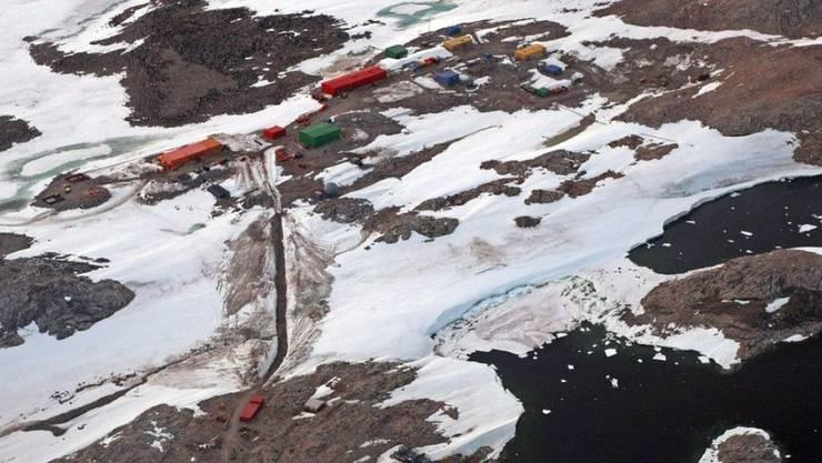 Die australische Antarktis-Forschungsanstalt Casey. Forscher dort warnen, dass die Hitzewelle in der Antarktis vom vergangenen Januar Folgen haben könnte für den ganzen Planeten. (Archivbild)