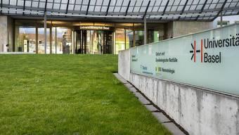 Das Universitätsspital Basel entschädigt die Umkleidezeit mit einer Pauschale von 60 Franken pro Monat. Damit ist der VPOD nicht einverstanden.