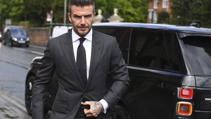 Ex-Fussballstar David Beckham muss für ein halbes Jahr auf seinen Führerschein verzichten.