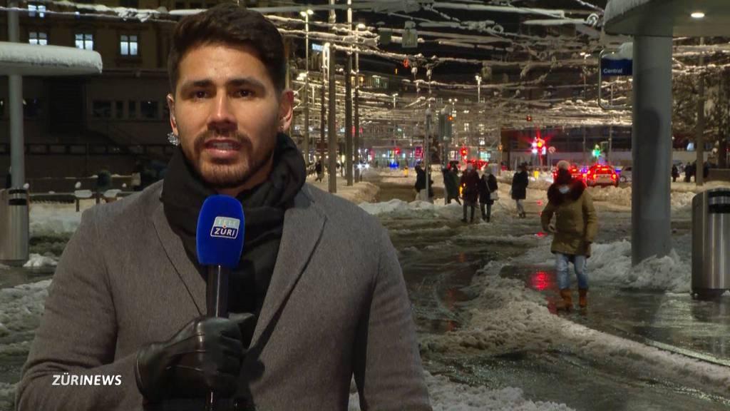 Schneechaos in Zürich: Fährt der öffentliche Verkehr wieder?