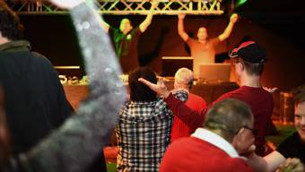 An der Disco-Mania-Party tanzen bereits regelmässig Menschen mit und ohne Behinderung in Aarau.