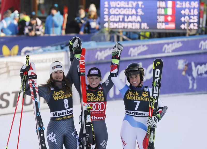 Sofia Goggia (Italien), Tessa Worley (Frankreich) und Lara Gut (Schweiz). © AP Photo/Marco Trovati