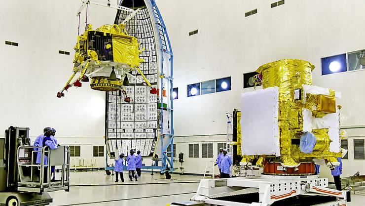 Eine Rakete sollte den Orbiter Chandrayaan-2 nach Angaben der indischen Weltraumbehörde am Sonntagabend von der Insel Andhra Pradesh ins All befördern. (Archivbild)