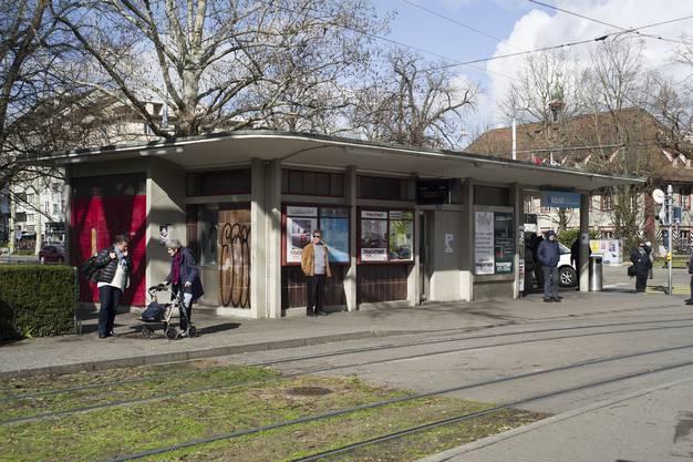Haltestelle Schützenhaus Typischer Bau aus den 1950er-Jahren.