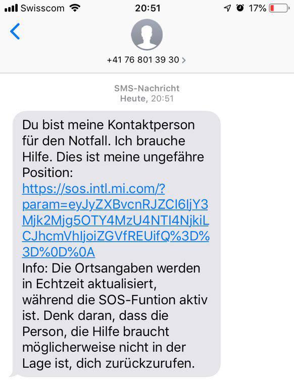 Der Notfallkontakt erhält eine SMS mit dem aktuellen Standort. Hat die Person in Not die Optionen «Bilder und Tonaufnahmen anhängen» aktiviert, werden diese mitgeschickt.