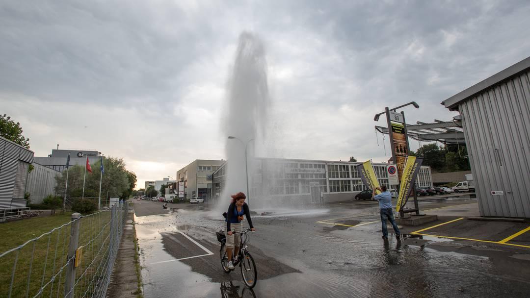 15-Meter hohe Wasser-Fontäne in Aarauer Telli