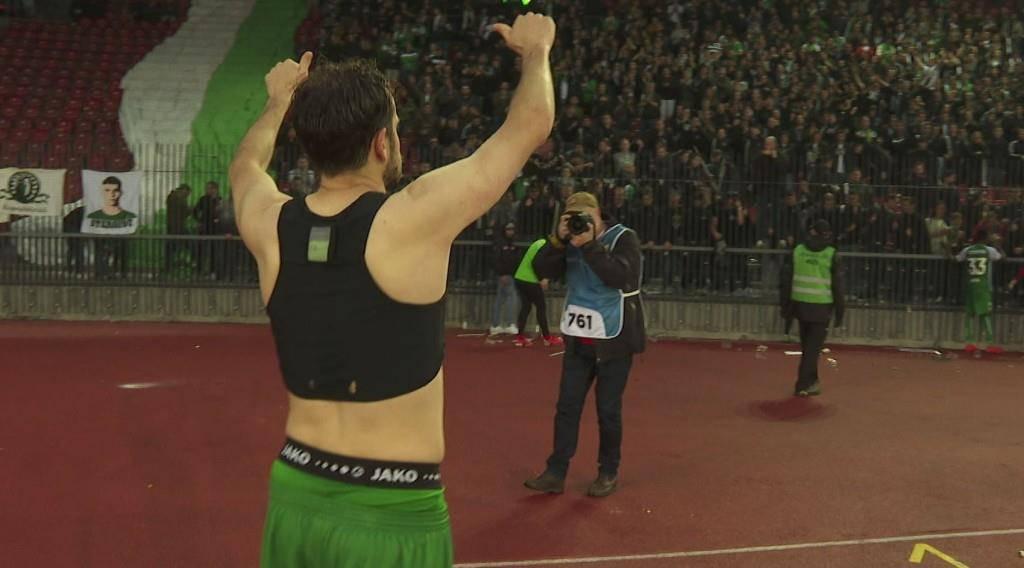 Im Zürcher Letzigrund-Stadion nimmt er Abschied von den Fans. (© TVO)