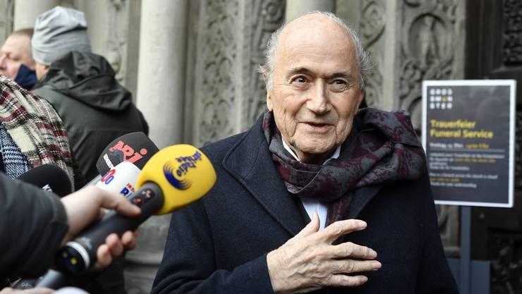 Sepp Blatter sagte aus, er habe Erinnerungslücken.