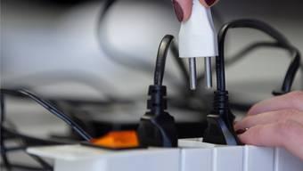 Wer verkauft künftig den Strom? Sisseln entscheidet am 12.März, ob die Anlagen der Elektrizitätsversorgung verkauft werden sollen oder nicht.Symbolbild: Hanspeter Baertschi