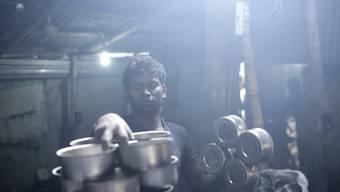 Viele Junge weltweit müssen mit Arbeitslosigkeit oder schwierigen Arbeitsbedingungen zurechtkommen. (Themenbild)