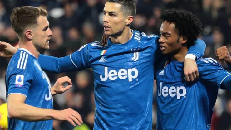 Cristiano Ronaldo F U00fchrt Juventus Zum Sieg Gegen Den