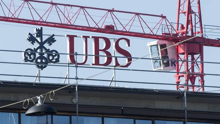 Der Wert der UBS-Aktien legte nach der milden Strafe um fast 3 Prozent zu.