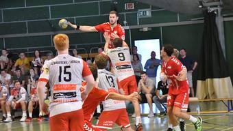 Der TV Solothurn war für den Erstligisten Arbon eine Nummer zu gross - im Bild Tom Althaus.