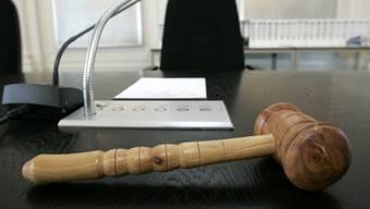 Das Bezirksgericht Brugg musste sich mit einem Hundebiss auseindersetzen. (Symbolbild)