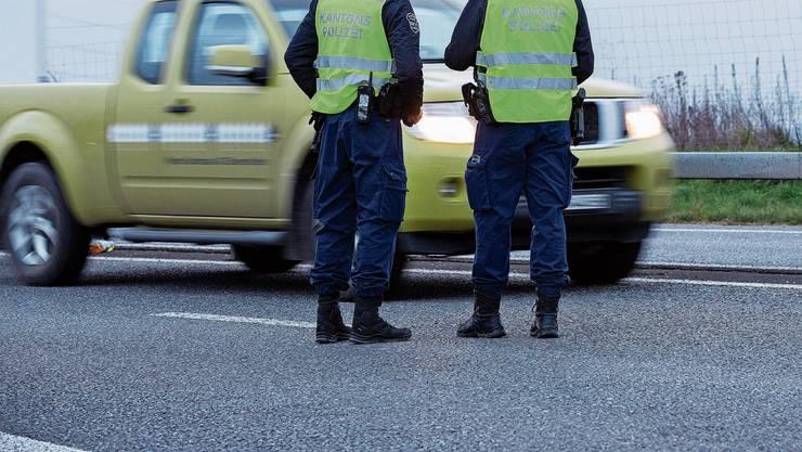 Aktuell gibt es im Aargau 965 Polizistinnen und Polizisten.