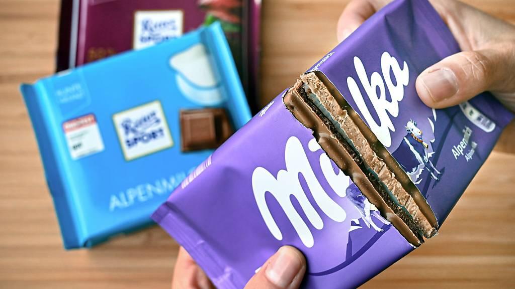 Milka darf in Deutschland keine quadratischen Schokoladentafeln verkaufen. Das oberste deutsche Gericht bekräftigte den Markenschutz von Ritter Sport. (Archivbild)