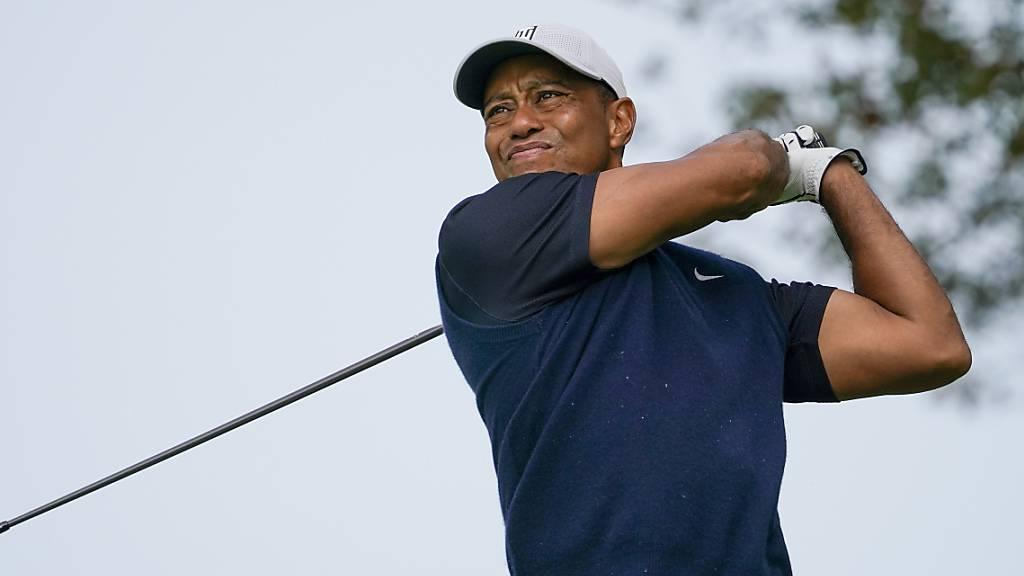 Mühevoller Auftakt von Tiger Woods