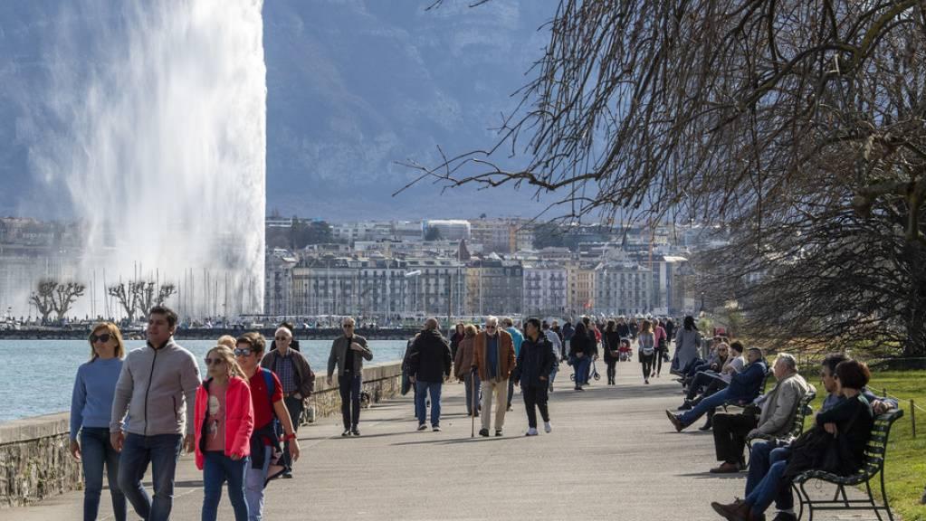Rund zweieinhalb Monate war das Wahrzeichen von Genf ausser Betrieb: Der 140 Meter hohe Jet d'eau. (Archivbild)