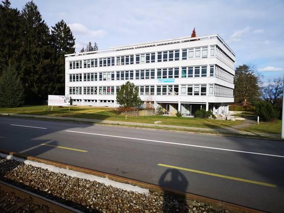 Sorgenkind Liegenschaft Heinerich-Wirri-Strasse: Für das dritte Geschoss gibt es noch keine Nutzung, und ob die Kreisschule in den dritten Stock einziehen wird, ist auch noch offen.