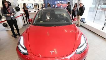 Tesla liefert das Modell 3 bald in Europa aus.