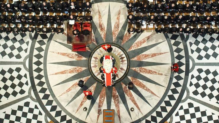 Blick auf die Trauergemeinde in der St. Pauls-Kathedrale
