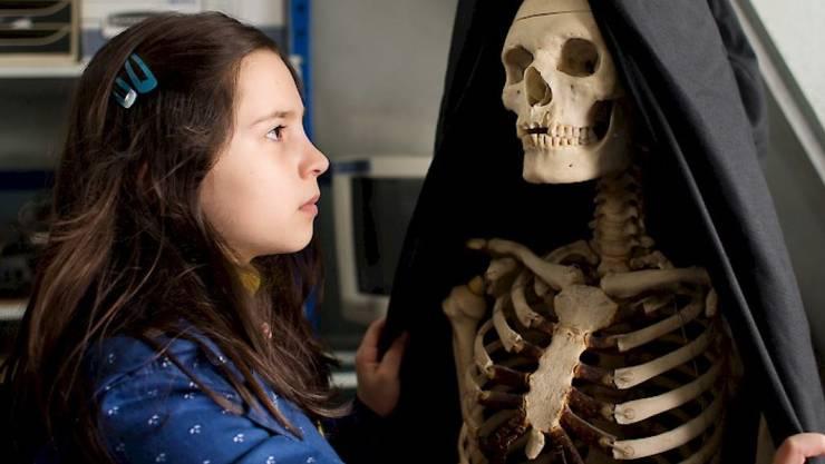 """Der französische Film """"Demain et tous les autres jours"""" über ein kleines Mädchen, das mit der Betreuung seiner psychisch labilen Mutter überfordert ist, hat den Jurypreis am 5. Saas-Fe Filmfest gewonnen. (zVg)"""