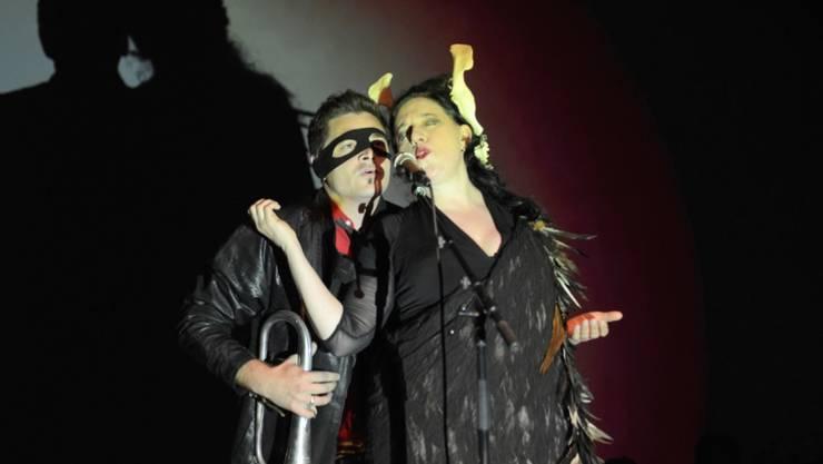 """Erika Stucky am Samstag bei ihrem gefeierten Auftritt als """"Geierwally"""" beim Festival Alpentöne (Handout Veranstalter/Raffi Brand/Ueli Bachmann)"""