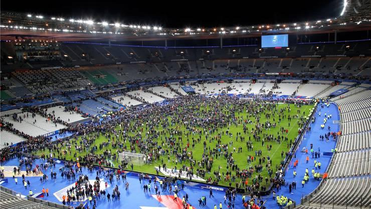 Die Reaktion der Verantwortlichen im Stade de France sei besonnen gewesen, sagt Sicherheitsexperte Helmut Spahn.AP