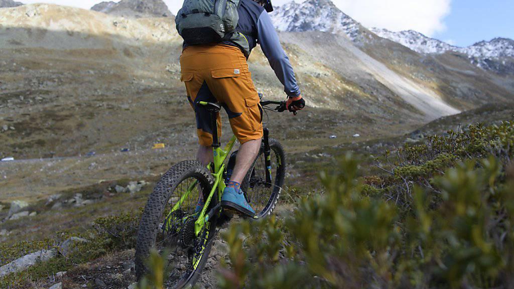Gefragt wie nie zuvor: In der Schweiz wurden letztes Jahr deutlich mehr E-Mountainbikes verkauft. (Archivbild)