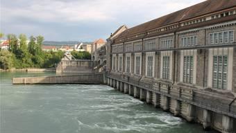 Im Wasserkraftwerk Laufenburg ist man mit der bisherigen Stromproduktion im Jahr 2019 zufrieden. Sie liegt deutlich höher als im Vorjahr. Bild: Archiv/zvg