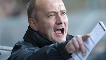 Tigers-Coach Tomas Tamfal gibt Anweisungen.