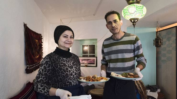 Ahmad und Nahed Razouk in ihrem Lokal in der Rathausgasse.