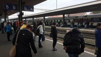 Zwischen Lenzburg und Suhr fahren keine Züge. (Archiv)