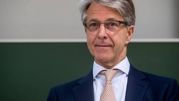 Der Präsident der Schweizerischen Bankiervereinigung, Herbert Scheidt, sieht in der CS-Bespitzelungsaffäre einen Einzelfall. Handlungsbedarf sieht er keinen. (Archivbild)